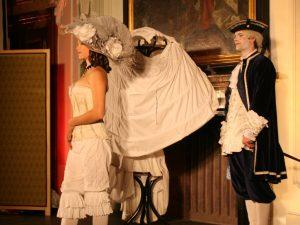 Historická módní přehlídka
