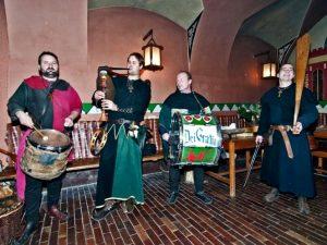 Středověké hry a večer v krčmě